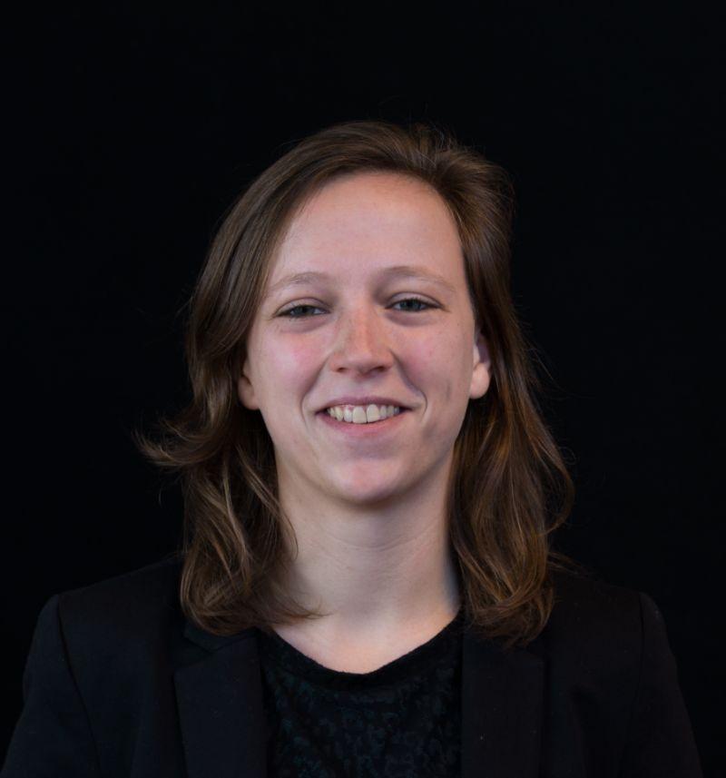 Portretfoto van Emma van Geresteijn.