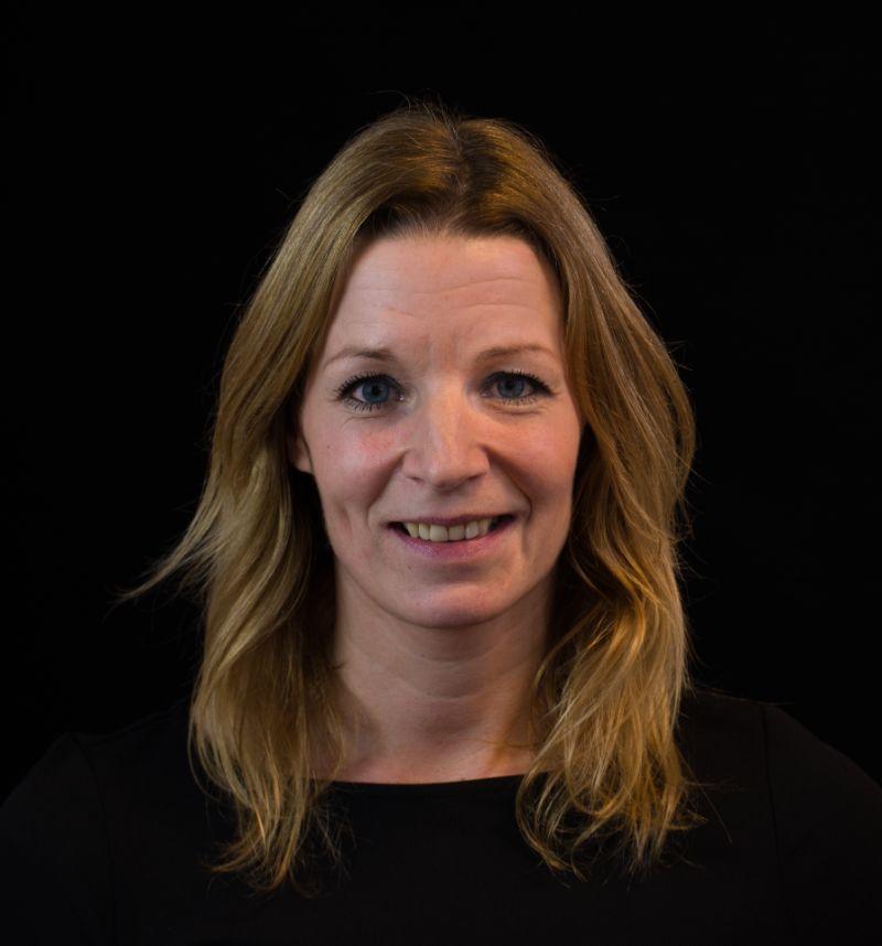 Portretfoto van Janet Versluys.